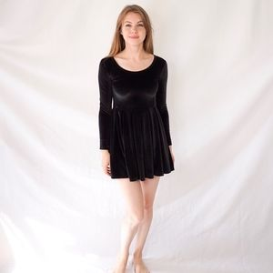 Talula Dresses - ARITZIA TALULA Lambeth Velvet Mini Dress 0550